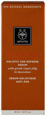 Apivita Queen Bee Serum gegen Hautalterung 3