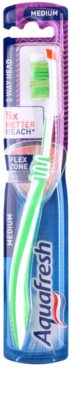 Aquafresh 3 Way Head cepillo de dientes medio