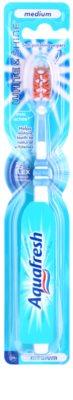 Aquafresh White & Shine escova de dentes medium