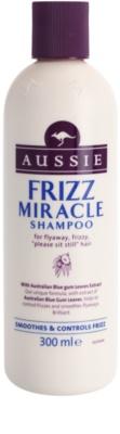 Aussie Frizz Miracle kisimító sampon a rakoncátlan és töredezett hajra