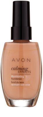 Avon Calming Effects Illuminating pomirjajoči tekoči puder za osvetlitev kože