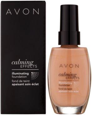Avon Calming Effects Illuminating pomirjajoči tekoči puder za osvetlitev kože 2