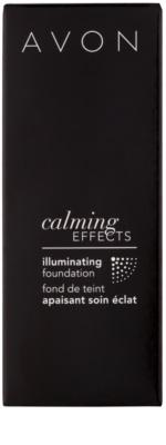 Avon Calming Effects Illuminating pomirjajoči tekoči puder za osvetlitev kože 3