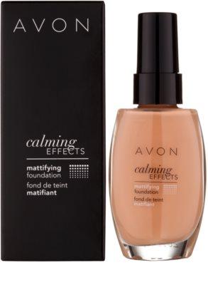 Avon Calming Effects Mattifying zklidňující makeup pro matný vzhled 2