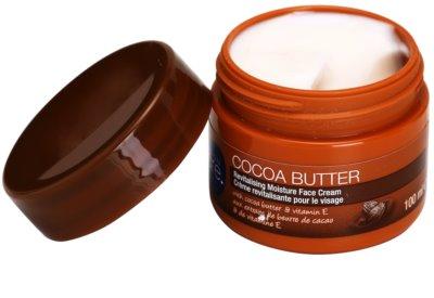 Avon Care revitalisierende, feuchtigkeitsspendende Gesichtscreme mit Kakaobutter 1