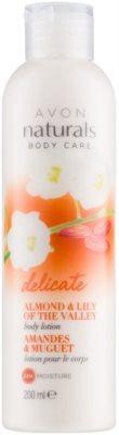 Avon Naturals Body делікатне молочко для тіла з мигдалем та конвалією