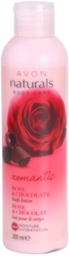 Avon Naturals Body leche corporal con rosa y chocolate