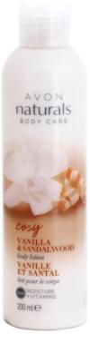 Avon Naturals Body leche corporal con vainilla y madera de sándalo