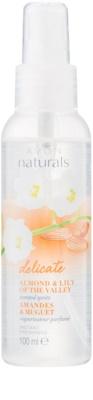 Avon Naturals Body testspray mandulával és gyöngyvirággal