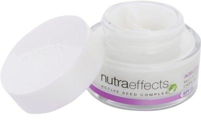 Avon Nutra Effects Ageless crema de zi cu actiune regeneratoare SPF 20 1