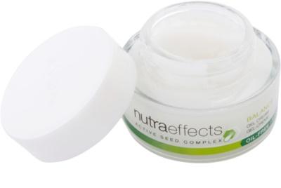 Avon Nutra Effects Balance matirajoča gel krema z nemastno sestavo 1