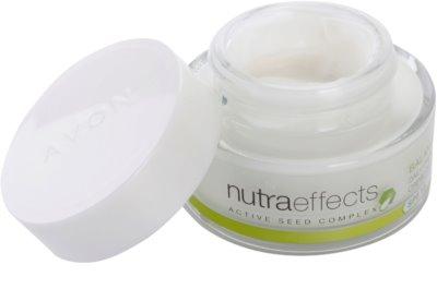 Avon Nutra Effects Balance mattierende Tagescreme SPF 15 1