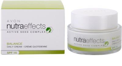 Avon Nutra Effects Balance mattierende Tagescreme SPF 15 2