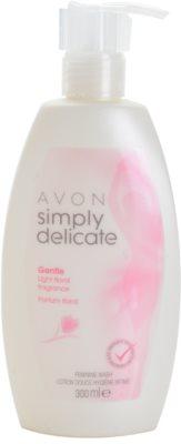 Avon Simply Delicate gel de banho de higiene íntima para mulheres com fragrância floral