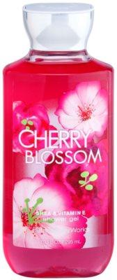 Bath & Body Works Cherry Blossom sprchový gél pre ženy