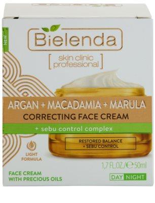 Bielenda Skin Clinic Professional Correcting crema de piele pentru a restabili echilibrul 2