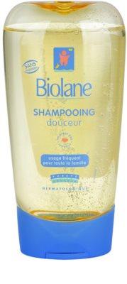 Biolane Baby Wash изключително нежен шампоан за коса за ежедневна употреба