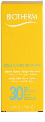 Biotherm Créme Solaire Dry Touch krem matujący do opalania twarzy SPF 30 2