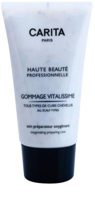 Carita Haute Beauté Professionnelle faça um peeling no cabelo para remover a caspa e reparar o couro cabeludo seco