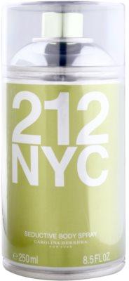 Carolina Herrera 212 NYC spray pentru corp pentru femei