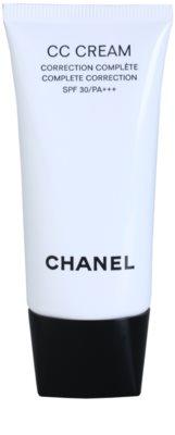 Chanel CC Cream crema para unificar el tono de la piel  SPF 30