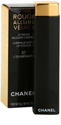 Chanel Rouge Allure Velvet bársonyos rúzs matt hatással 2