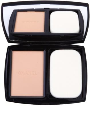 Chanel Vitalumiére Compact Douceur posvetlitveni kompaktni make-up SPF 10