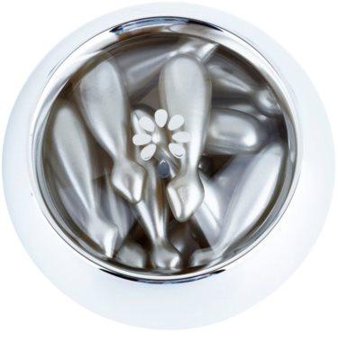 Clarena Diamond & Meteorite Line capsule cu serum facial lumineaza si catifeleaza pielea