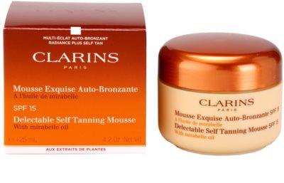 Clarins Sun Self-Tanners samoopalovací pěna na obličej a tělo SPF 15 2