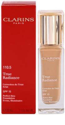 Clarins Face Make-Up True Radiance maquilhagem iluminadora hidratante para um look perfeito SPF 15 2