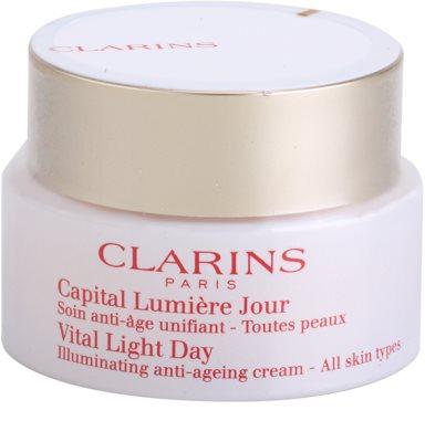 Clarins Vital Light creme de dia de rejuvenescimento e clareamento para todos os tipos de pele