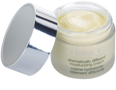 Clinique 3 Steps vlažilna krema za suho do zelo suho kožo 2