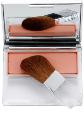 Clinique Blushing Blush pudrová tvářenka 1