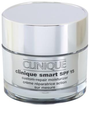 Clinique Clinique Smart feuchtigkeitsspendende Tagescreme gegen Falten für fettige Haut SPF 15