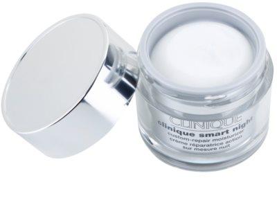 Clinique Clinique Smart nawilżający krem przeciwzmarszczkowy na noc do skóry suchej i bardzo suchej 1