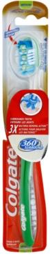 Colgate 360°  Surround зубна щітка середньої жорсткості
