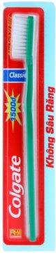 Colgate Classic escova de dentes