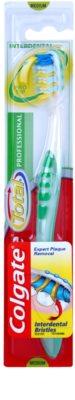 Colgate Total Professional zobna ščetka medium