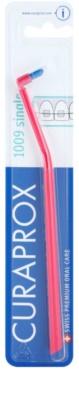 Curaprox 1009 Single egycsomós fogkefe a rögzített fogszabályozó használóinak