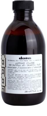 Davines Alchemic Chocolate sampon pentru a evidentia culoarea parului