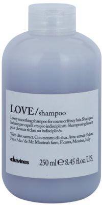 Davines Love Olive champú alisador para cabello encrespado y rebelde