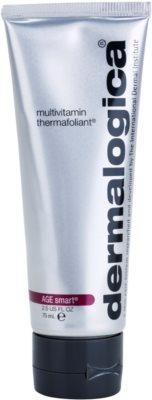 Dermalogica AGE smart multivitaminos melegítő peeling az arcra