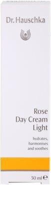 Dr. Hauschka Facial Care leichte Creme aus Rosen 3