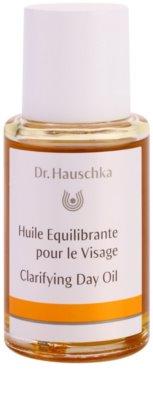 Dr. Hauschka Facial Care tisztító nappali olaj zsíros és problémás bőrre