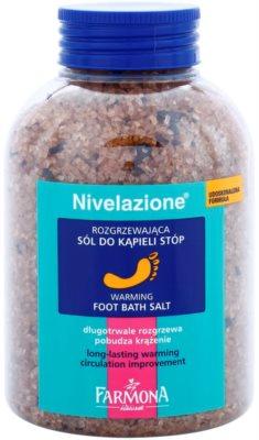 Farmona Nivelazione sol za kopel nog s segrevalnim učinkom