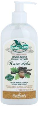Farmona Herbal Care Oak Bark emulsión textura cremosa para la higiene íntima