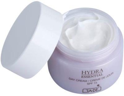 GA-DE Hydra Essential Feuchtigkeitsspendende Tagescreme SPF 15 1