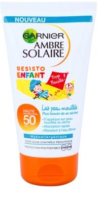 Garnier Ambre Solaire Resisto Kids wasserfeste Sonnencreme für Kinder SPF 50