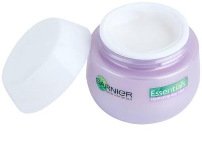 Garnier Essentials зволожуючий крем для нормальної та змішаної шкіри 1