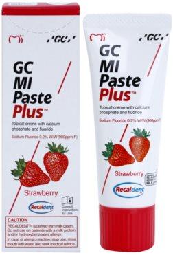 GC MI Paste Plus Strawberry remineralizujący krem ochronny do wrażliwych zębów z fluorem 1
